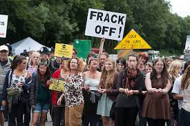 Balcombe Fracking Protesters Stop Quadrilla